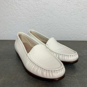 SAS 9 N twin slip on loafer off white comfort
